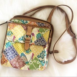 Fossil leather crossbody lots of pockets !